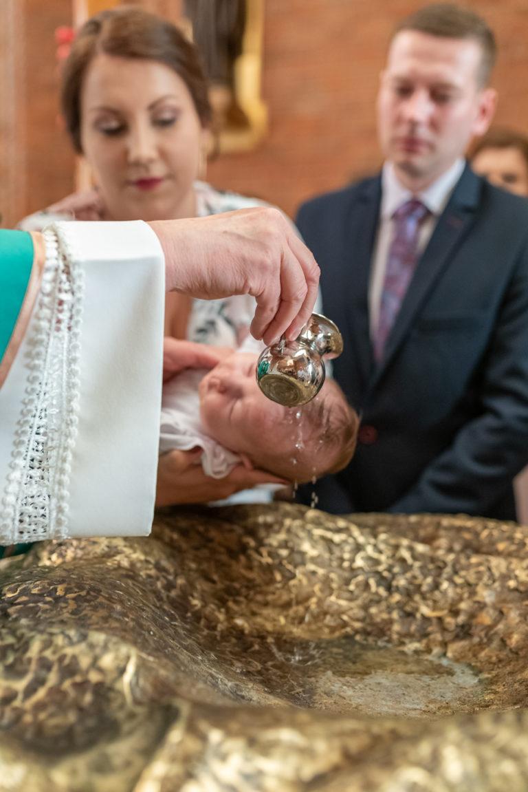 chrzest święty olsztyn polanie wodą